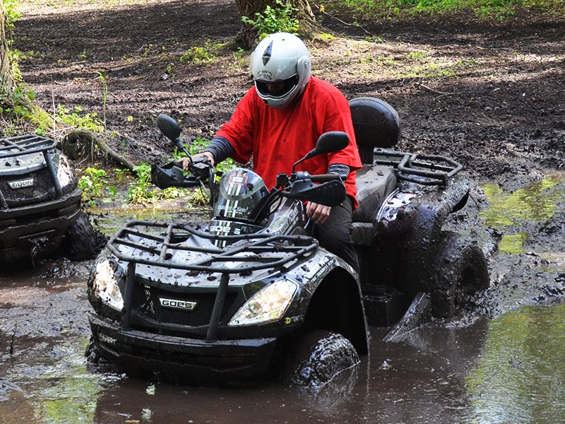 ATV i vandpyt